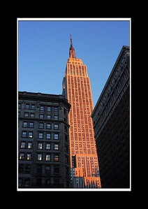 A relatively popular angle of the Empire State - and a relatively popular time of day for it too apparently!