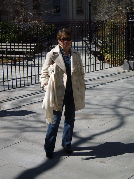 Jo at the beginning of the Brooklyn Bridge walk outside City Hall