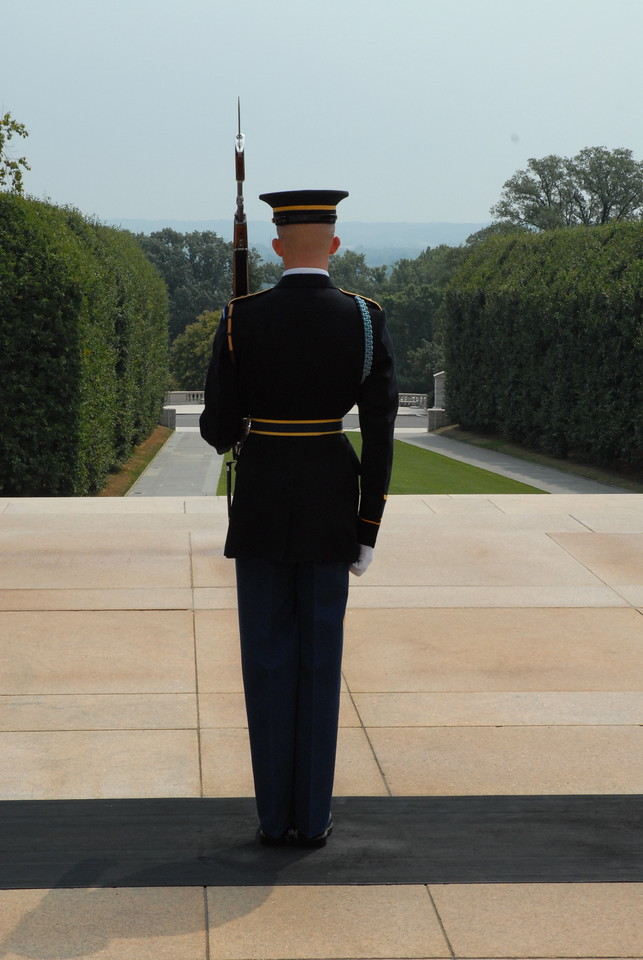 Tomb of the Unknown Soldier, Arlington Cemetery, Washington DC.