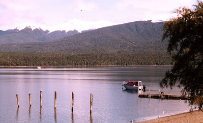 A lake on the road from Queenstown to Milford Sound. Photograph taken by Stephen Fong using a Sigma SA-300N.