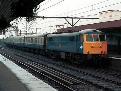 Class 86 416 - Wigan Pier - entering Wolverhampton.
