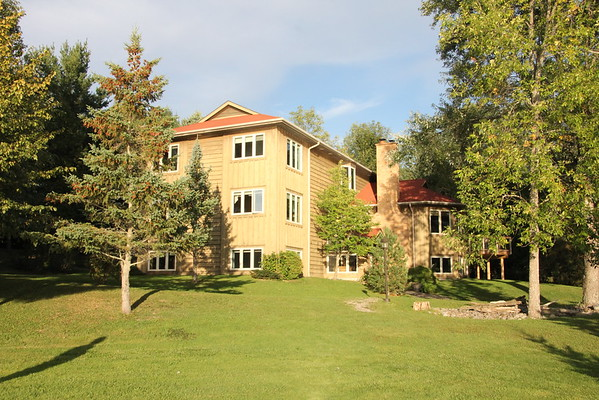 Lake side view of Fairy Bay Guest House
