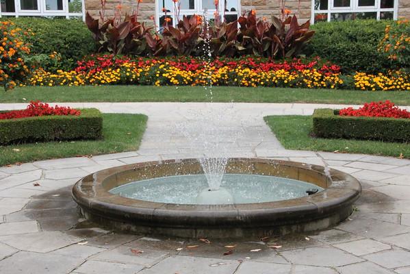 Queenston Heights: Water feature in the gardens