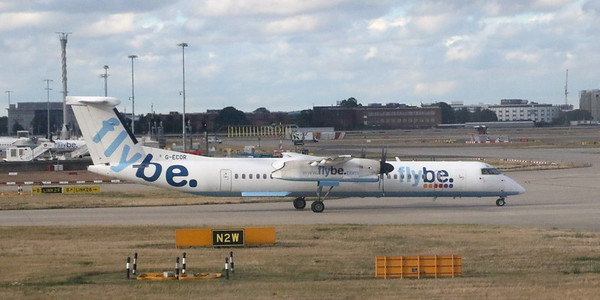 Flybe DH8-400 G-ECOR taxiing at LHR