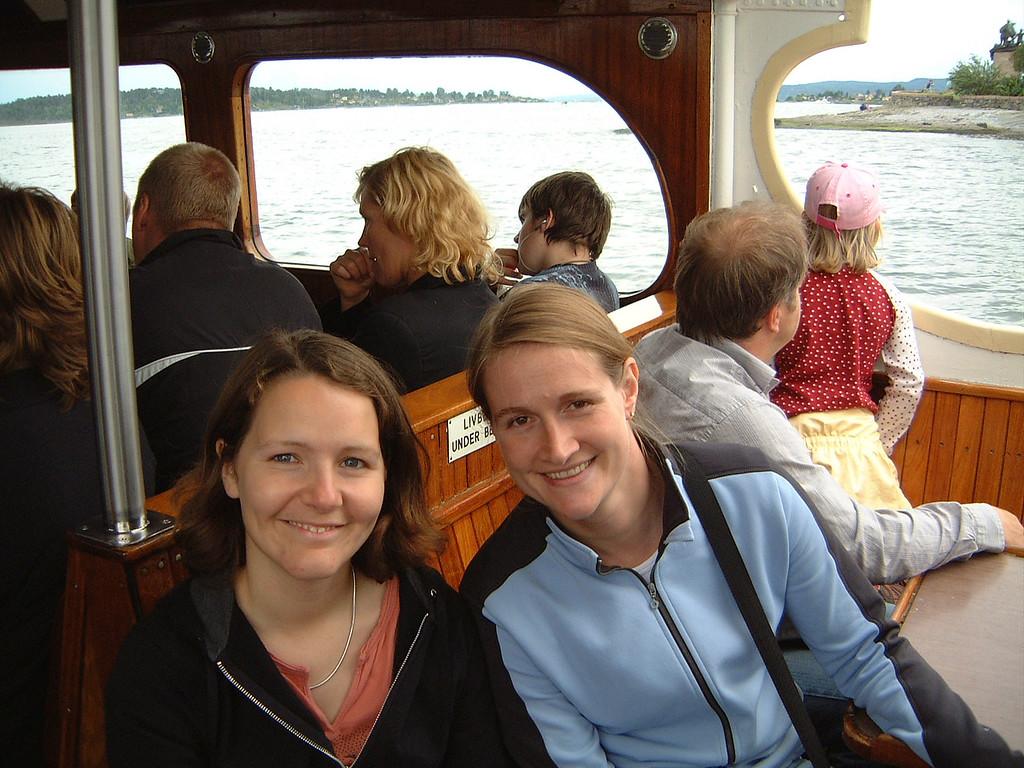 020 Sarah & Caz on the Ferry
