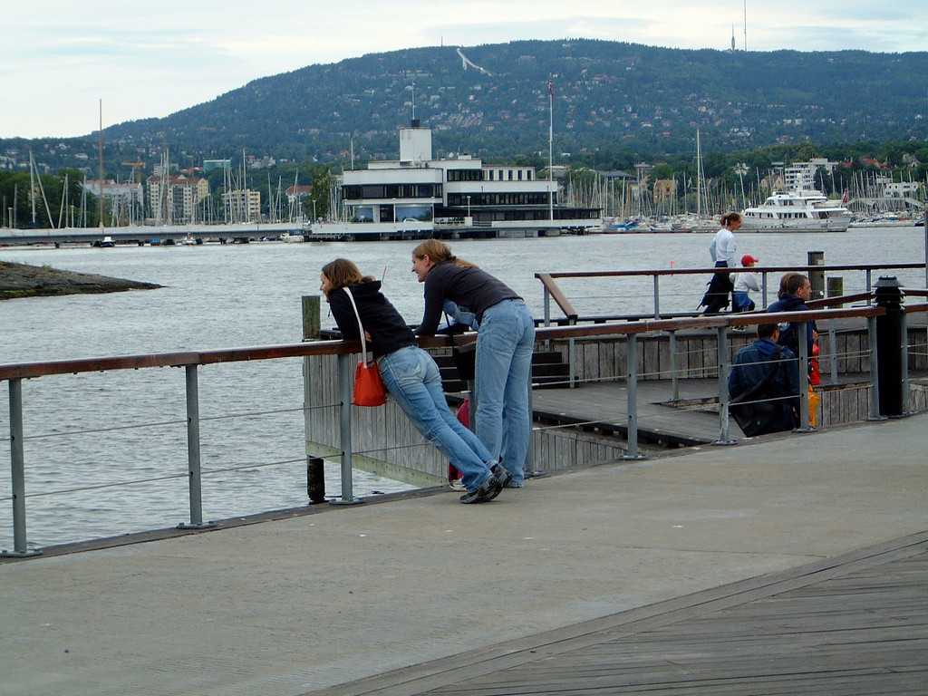 017 Sarah & Caz Waiting for Boat