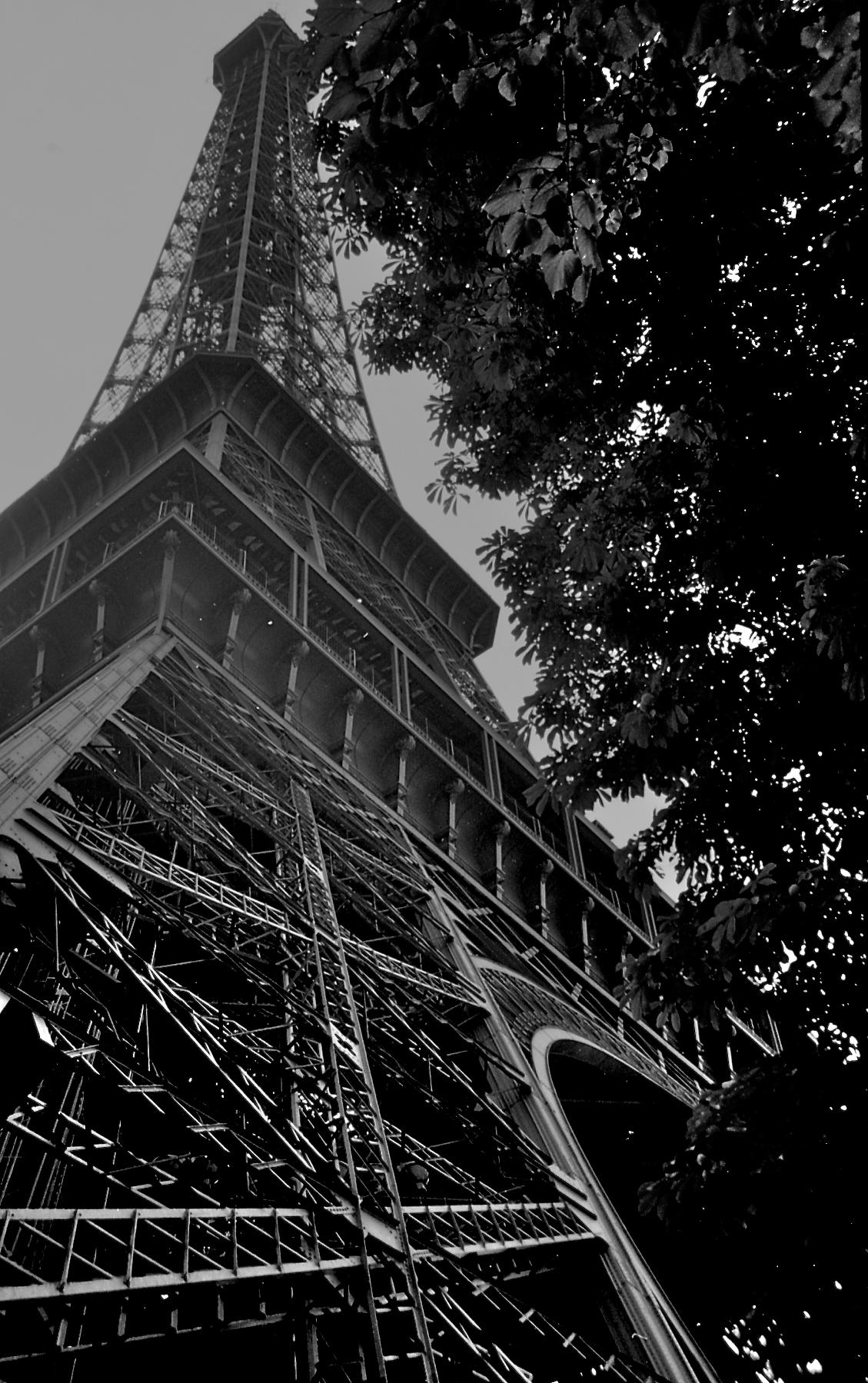 Eiffel Tower 29 Aug 1989