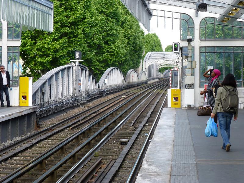 Metro station La Chapelle