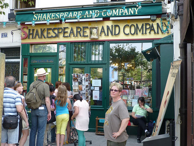 Shakespeare and Company, book store at Que de Montebello