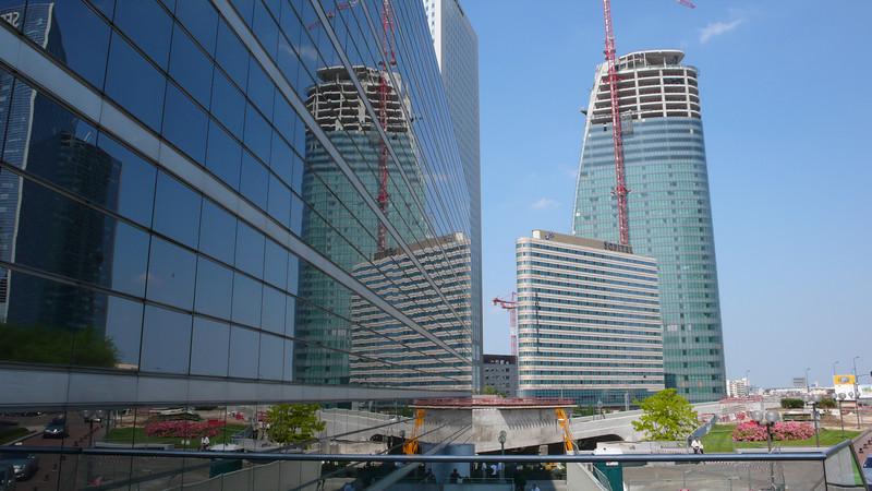 Paris La Défense district.  4er Réflexion de La Défense.  Straight out of the camera!
