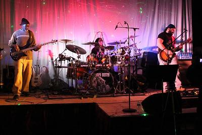 Band: Bredaus