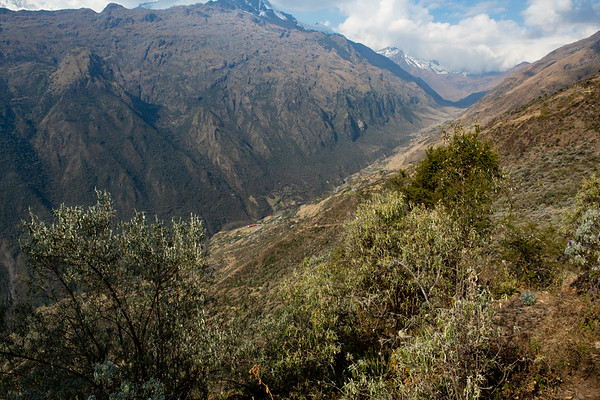The village where we spent the night is in the valley. From there a road heads towards the 4,600m pass covered in clouds.