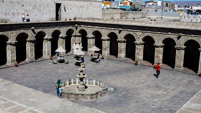 Arequipa binnen plaats van de Compañía