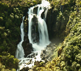 Waterfall on the road between Taupo and Napier - New Zealand