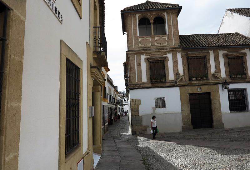208  Cordoba Sep 03