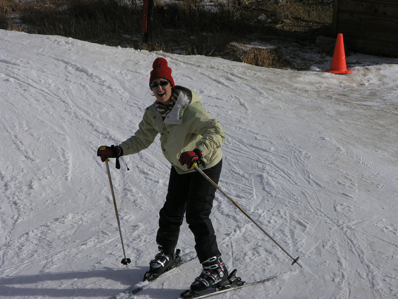 Cindy Nelson showing her stuff on skis.