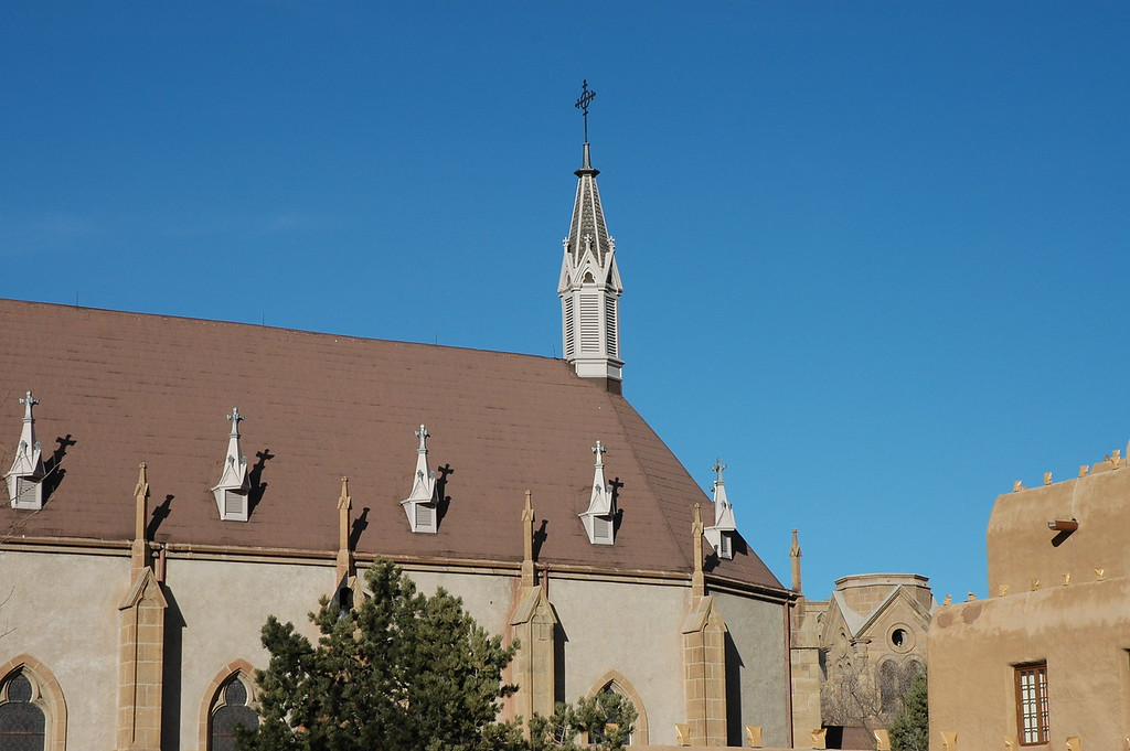 Only churches seem to be excempt from the adobe style in Santa Fe.