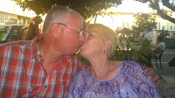 Dag 2 Zaterdag  25-06-2016 Met Rita en Armand gaan eten in Vaison-La Romaine.