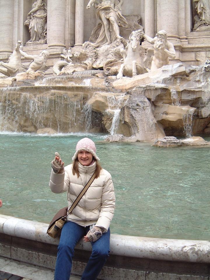 017 Sarah Trevi Fountain