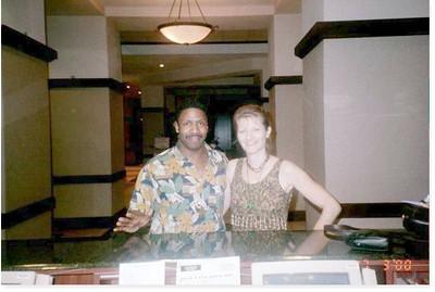 2000-3-17 22 Lobby Desk
