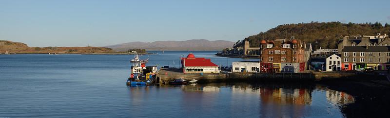 """vue depuis """"The Oban Caledonian Hotel"""" sur le port de Oban"""