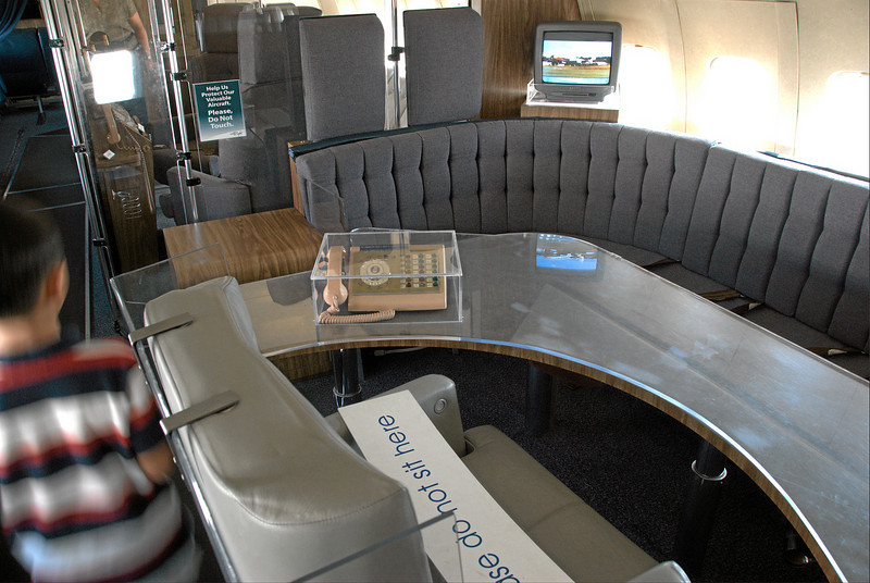 Air Force One, presidential meeting area