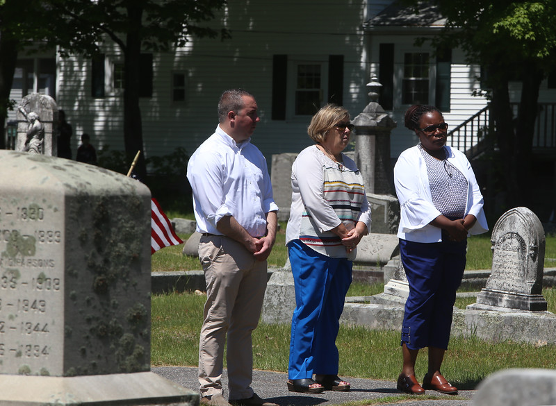Observers at Memorial Day observance at Village Cemetery in Shirley. (SUN/Julia Malakie)
