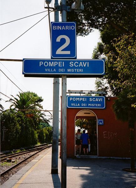 Pompeii railway station