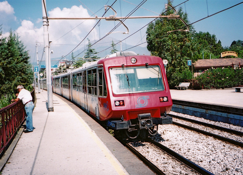 This is the train we caught between Sorrento and Pompeii