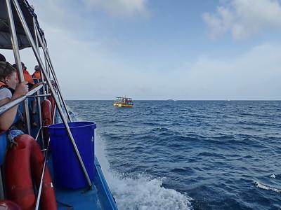 Sri Lanka - Mirissa - Whale Watching - Out to Sea