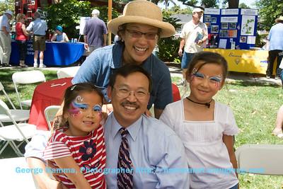 Sunnyvale Councilmember Dean Chu and his family.