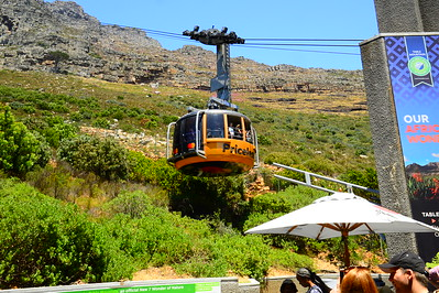 Cabel car to Table mountain