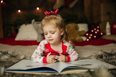 Taylor-Christmas Mini