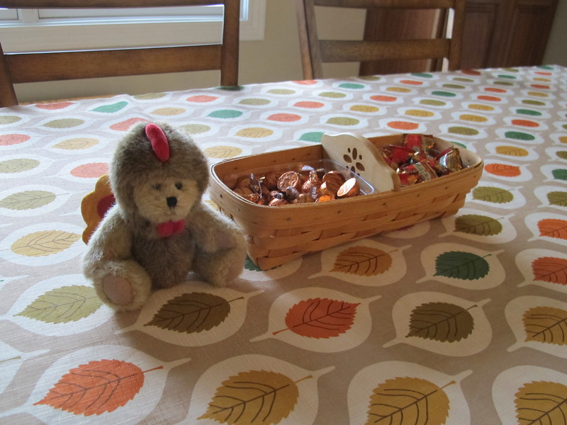 Again, I'm not a regular entertainer, so I don't have fancy center pieces.  But, I do have this little Boyd's Bear dressed like a turkey, he's cute!  And a small basket of fall candy.  Pumpkin spice Hershey Kisses and Carmel Apple Milky Way's.