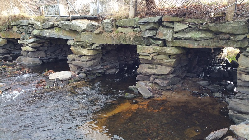 The next day after breakfast at Dave's Diner with Bev - the damaged old bridge over the Nemasket River in Middleboro...