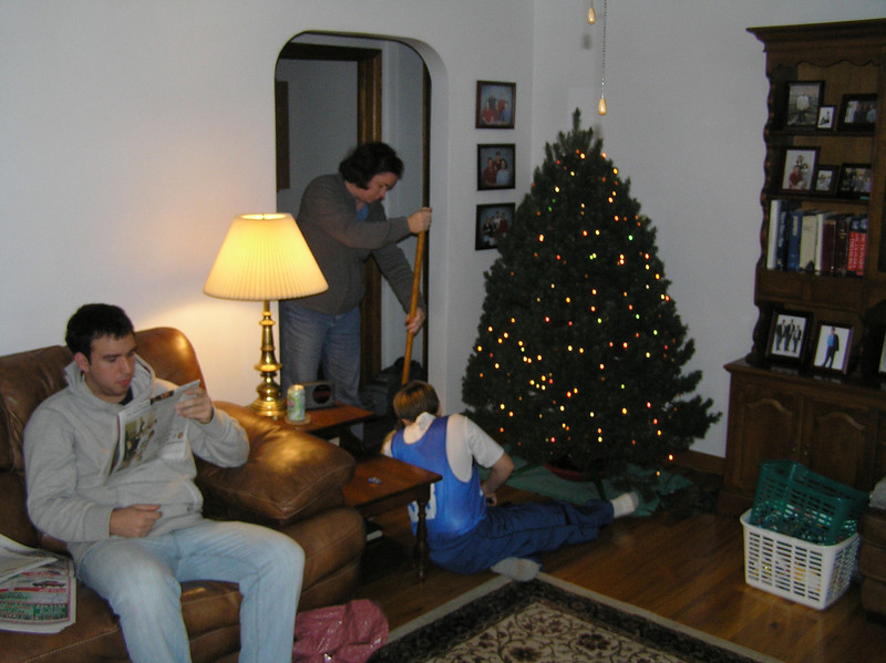 Robert assists in the heist.  Is it really a heist if you're putting the tree up?