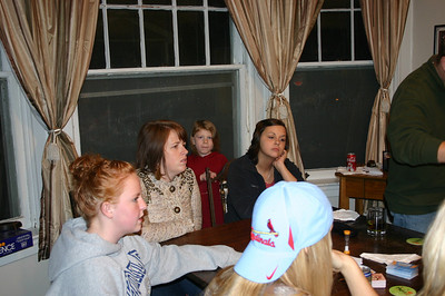 Elainee, Heather, Stella and Erin on Thanksgiving ( 2009 )