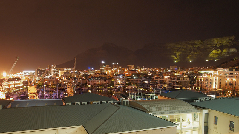 Final photo of day 2 (and a bit limited by my short tripod) is an attempt a a night time cityscape of Cape Town.