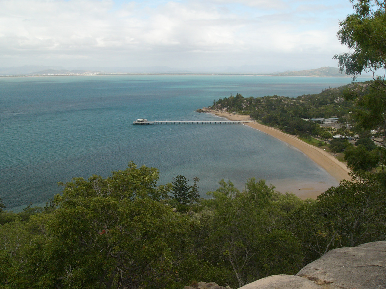 20070526_2786 Hawkings Point, Magnetic Island. Overlooking Picnic Bay.