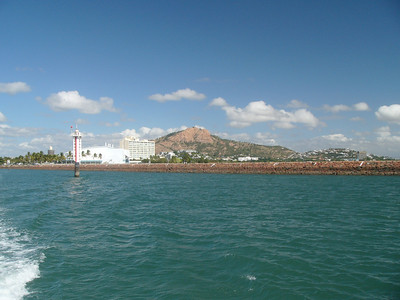 20070524_2705 Looking back onto Townsville from the catamaran (Townsville to Magnetic Island service)