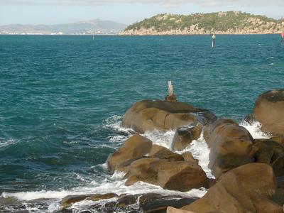 20070527_2824 Bright Point, Nelly Bay, Magnetic Island. Just a few metres from one of the swimming pools!