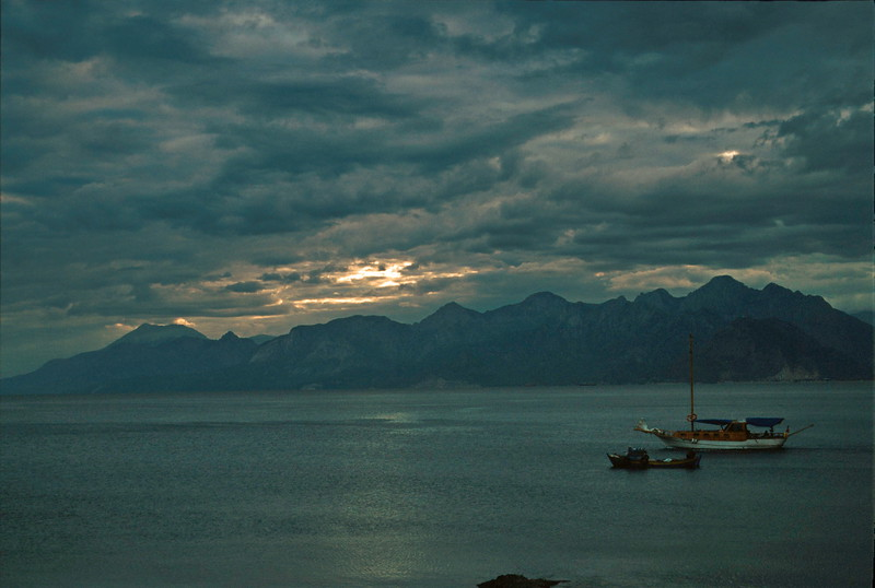 antaylia - view towards mountains