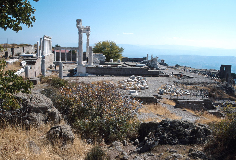 pergamum - view over acropolis