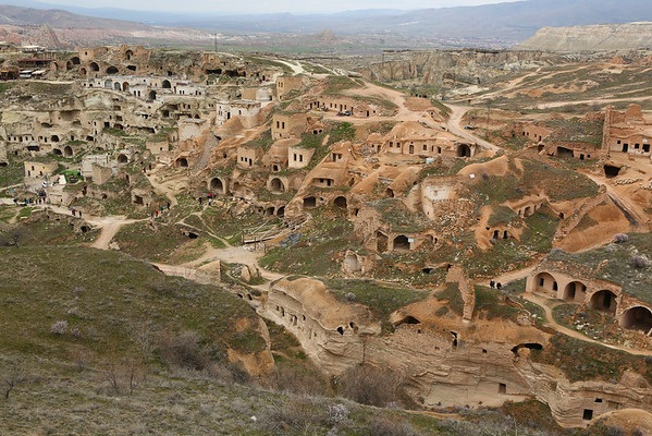 Main attraction in Çavuşin, a hill with lots of houses. People are still leaving in some of them.