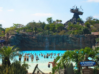 2004-03-13 Disney, Typhoon Lagoon