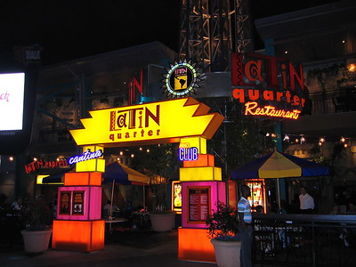 2004-13-16 Universal, City Walk, Evening