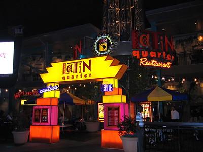 2004-13-16 Universal, City Walk, Evening