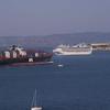 APL Korea and Grand Princess meet in the bay