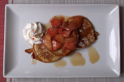 Cimmamon & Brown Butter Mini Pancakes with fruit compote