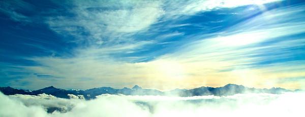 Blue Skies and Mountains from Roys Peak looking towards Mt Aspiring Jun 2011